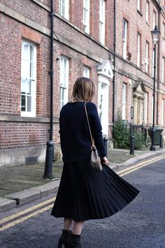 and-other-stories-midi-pleated-skirt-navy-jumper-chloe-drew-grey