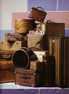 the Luggage museum in Haguenau France Vintage Love, Vintage Decor, Vintage Antiques, Retro Vintage, Vintage Items, Vintage Market, Vintage Bags, Antique Market, Vintage Bakery