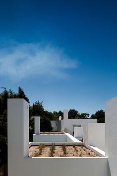 3 Houses in Meco / Nuno Simões + DNSJ.arq