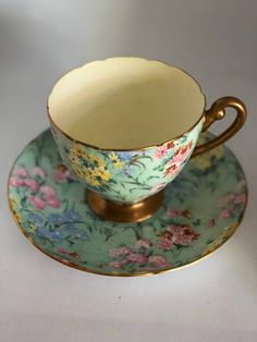 Tea cup and Saucer by Shelly , Bone China , Vintage Melody Cup and Sauser , Collectible Tea Cups Antique Tea Cups, Vintage Cups, Vintage China, Vintage Dishes, Vintage Tea Parties, Vintage Party, Teapots And Cups, Teacups, Tea And Books