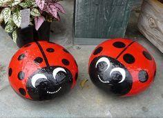 Piedra pintada Mariquitas - Stone Painted Ladybugs                                                                                                                                                      More
