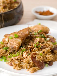 Claypot Chicken Rice, Rice Cooker Recipe -- Ah, brings me back memories when I was kid, have to make this in the near future. Lazy one pot recipe!