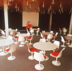 Knoll International Saarinen Tulip Stuhl | http://www.drifteshop.com/knoll-international/saarinen-tulip-stuhl