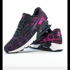 5930a708a5b6d Nike Women s Nike air max limited edition brand spanking new no box.