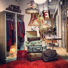Sale Window display #maisilestoulesoleil #belgian #etalage