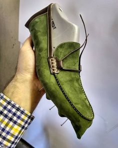 There is no automatic alternative text available. Loafer Shoes, Loafers Men, Men's Shoes, Dress Shoes, Striped Ankle Boots, Gentleman Shoes, Wing Boots, Felt Shoes, Moccasin Boots