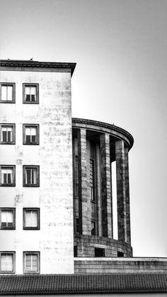 Building . Courthouse | Oporto, Portugal ~ Ph. Dani Carvalho