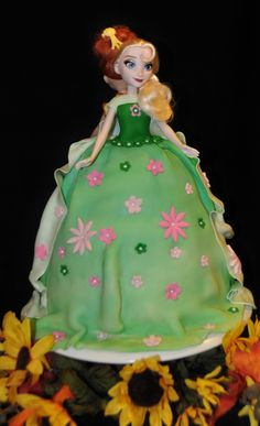 Frozen Fever Anna and Elsa Cake by Summer's Sweet Treats