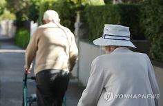 한국의 연금시스템이 나쁜 평가를 받은 데는 공적 연금의 낮은 소득 대체율, 사적 연금의 낮은 가입률, 저출산ㆍ고령화 인구구조, 임의 가입방식의 퇴직연금제도 때문.