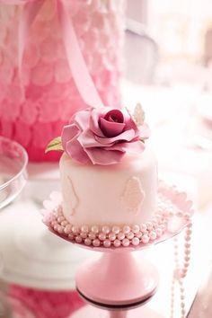 rose mini cake <3