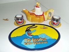 THE BEATLES YELLOW SUBMARINE MINI TEA SET