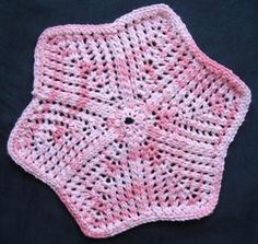 Lace Star Cloth FREE knitting pattern by Barbara Breiter ||| Knitting On The Net