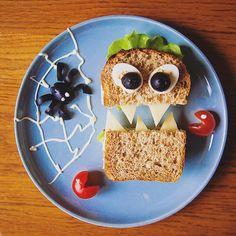 Пора уже к нг готовить(ся), но не могу не показать один из любимых рецептов на Хэллоуин для проекта Disney Baby. Детям точно понравится http://baby.disney.ru/feeding-baby/retsept-na-hellouin-sendvich-monstrik/ #еда #фотоеды #работа #рецепты #вкусняшка #фудфото #фударт #красота #сендвич #фотограф #дети #инстадети #food #foodart #foodphotography #foodie #instafood #instagood #yummy #sandwich #kidsfood #kids #instakids #mom #instamom