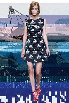 Fendi SS15 – see more MFW GIFs here: http://www.dazeddigital.com/fashion/article/21861/1/milan-ss15-gifs