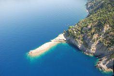 Punta Chiappa on the Portofino promontory, Liguria, Italy. Photo by: parcoportofinocode.it