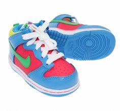 Des petites dunk super stylées pour filles - nous on craque direct !  #Nike #dunk #kids #swagg