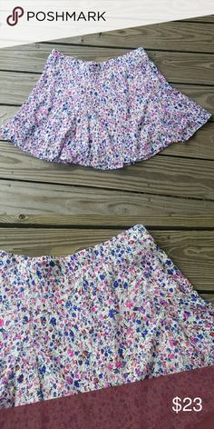 Floral skater skirt Pretty floral skater skirt.  Size xl juniors. Elastic waistband. About 18 in length Candie's Skirts Circle & Skater