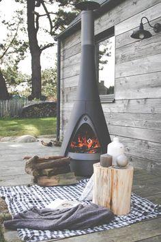 conical-mobile-fire-pit-leenders-pharos.jpg