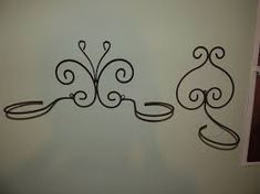 Resultado de imagen para figuras de hierro para jardin Wire Art, Decals, Iron, Flowers, Design, Penthouse Apartment, Home Decor, Angeles, Google