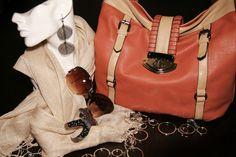 Love that handbag!  Check out more @ www.modabella.ca