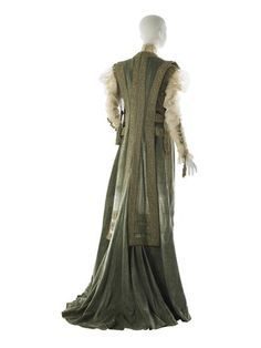 Tea gown, by the House of Worth, ca. 1908 - Google Search