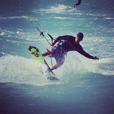 From takoonargentinaQue linda maniobra! Realizada con tabla Spider, full carbon! #furiazetaseries #rideargentina #takoonargentina #kitesurf #kitesurfing #kitestyle #livingkitelivingkite,takoonargentina,kitestyle,furiazetaseries,kitesurf,kitesurfing,rideargentina