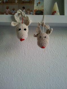 making xmass tree ornaments