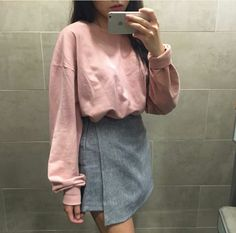 Korean Fashion Trends you can Steal – Designer Fashion Tips Korean Fashion Trends, Korea Fashion, Asian Fashion, Style Ulzzang, Ulzzang Fashion, Korean Outfits, Mode Outfits, Fashion Outfits, Grunge Style