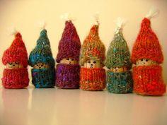 cute gnomes using wine corks. free knitting pattern