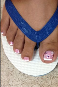 French pedicure for summer