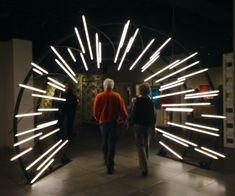 Tunnel of Love: Couple entering the EMP Science Fiction Museum, Seattle Light Lines Tunn Bühnen Design, Cafe Design, Booth Design, Store Design, Event Design, Exhibition Stand Design, Neon Lighting, Lighting Design, Led Neon