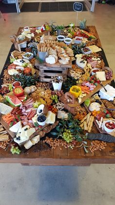 ", Grazing table staff functions Grazing table staff functions ""Not any, otro estúpido juego para fomentar el espíritu signifiant equipo zero"", dijo el e. Party Platters, Cheese Platters, Charcuterie And Cheese Board, Charcuterie Platter, Cheese Boards, Antipasto, Grazing Tables, Cheese Party, Meat And Cheese"