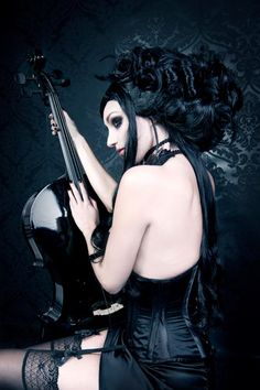 Top Gothic Fashion Tips To Keep You In Style. As trends change, and you age, be willing to alter your style so that you can always look your best. Consistently using good gothic fashion sense can help Dark Beauty, Goth Beauty, Gothic Steampunk, Victorian Gothic, Gothic Lolita, Gothic Mode, Dark Gothic, Gothic Art, Gothic Images