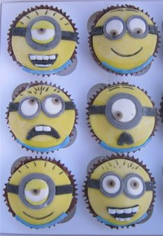 Despicable Me minion cupcakes. Thought I'd post after the minion convo last night Minion Birthday, Minion Party, My Minion, Birthday Fun, Minion Stuff, Cupcake Recipes, Cupcake Cakes, Kid Cakes, Baking Cupcakes