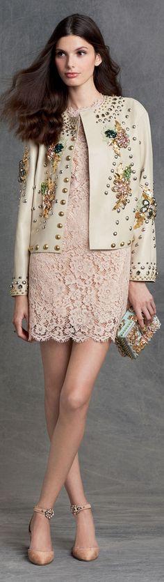 Dolce&Gabbana fall winter 2016 • Street CHIC • ❤️ Babz ✿ιиѕριяαтισи❀ #abbigliamento