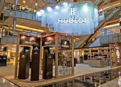 #Hublot Pop-Up store in the heart of Orchard Road #Singapore >>see more>> http://dietlin.ch/page.php?id=2768&gr=371&nv=5