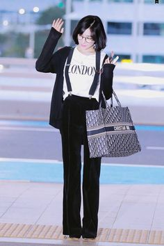 Snsd Tiffany, Tiffany Hwang, Airport Look, Airport Style, Sooyoung, Yoona, Kpop Girl Groups, Kpop Girls, Asian Fashion