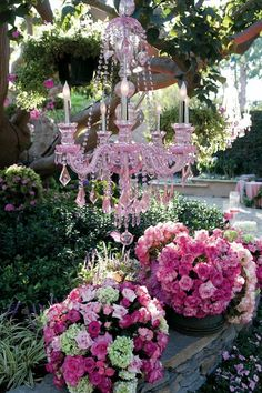 Beautiful pink chandelier and pink flowers for an outdoor wedding. Pink Garden, Dream Garden, Garden Whimsy, Lustre Vintage, Beautiful Gardens, Beautiful Flowers, Pink Chandelier, Chandelier Ideas, Outdoor Chandelier