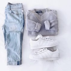 - Details - Size Guide - Model Stats - Contact Come what may and love these Never Knew Light Wash Skinny Jeans! Featuring a light-washed stretch fabric with a low-cut, skinny jean styling. Distressing