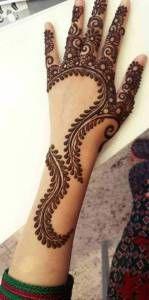 """Mehndi is one of the favorite term among women of all ages. In this post we have brought """"Pakistani Mehndi - Henna Designs . Henna Hand Designs, Mehandi Designs, Mehndi Designs Finger, Mehndi Designs For Fingers, Latest Mehndi Designs, Simple Mehndi Designs, Henna Tattoo Designs, Hand Tattoos, Henna Tatoos"""