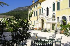 Amazingly located in the heart of the Lake Garda area, Italian Villa wedding venue, 'Hotel Villa Cariola' combines great entertaining spaces, generous guest accommodation with all the charm of a more modern Italian wedding Villa