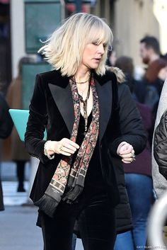 Cate Blanchett on the set of ocean's 8 filming in NYC