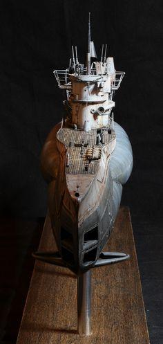Scale Model Ships, Scale Models, Ship In Bottle, Hms Hood, German Submarines, Modeling Techniques, Model Hobbies, Military Modelling, Model Building