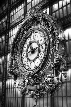 Musee d'Orsay: clock detail