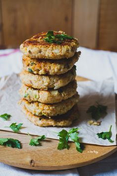 This vegan bean-oat burger satisfies your appetite for a great-tasting veggie burger that's easy to make and it's healthy because of using wholesome ingredients to make. Vegetarian Cookbook, Vegan Vegetarian, Vegetarian Recipes, Vegan Burgers, Vegan Dishes, Raw Vegan, Fine Dining, Real Food Recipes, Food Processor Recipes