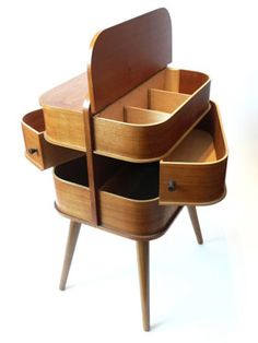 eBay watch: Midcentury-style sewing and storage box