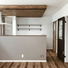 Laundry Shop, Wood Wallpaper, Wood Ceilings, Japanese House, Pent House, Architect Design, Kitchen Dining, Solid Wood, Sweet Home