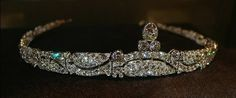 "Cartier Antique Diamond Bandeau, Cartier Paris, 1919 Platinum, diamonds. ""Tiara articulated set with round diamonds old cut, wavy motif of stylized branches and leaves, the central motif goes topped with a pear shaped diamond on two round diamonds pave closed"" Bad translation from Foros Realeza."