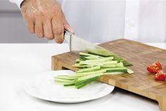 Conoce nuestra tabla para picar http://www.tescomaonline.es/preparacion-y-proceso-de-alimentos-1076/tablas-de-cortar-29076/azza-35076/azza-tabla-cortar-rect-40x26-cm-linea-azza-1895071/