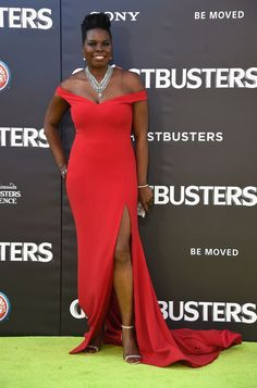 Leslie Jones Off-the-Shoulder Dress - Leslie Jones made a jaw-dropping entrance in a high-slit red off-the-shoulder gown by Christian Siriano at the premiere of 'Ghostbusters. Melissa Mccarthy, Christian Siriano, Ghostbusters, Meat Dress, Leslie Jones, Stunningly Beautiful, Beautiful Women, Absolutely Stunning, Beautiful People